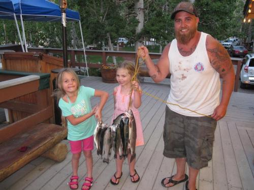 Lilah, Kaylynn and Robert Shott (2)