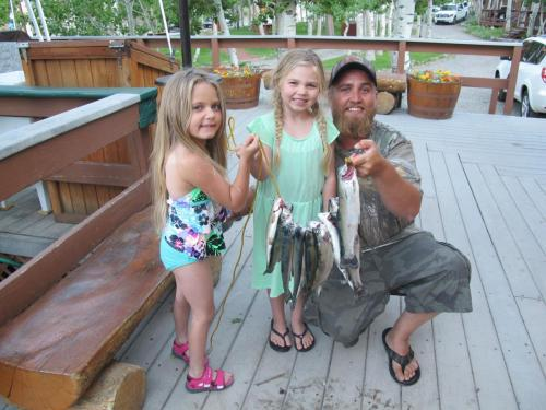 Lilah, Kaylynn and Robert Shott (3)